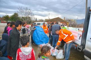 Torbalı'daki mültecilere yardım eli