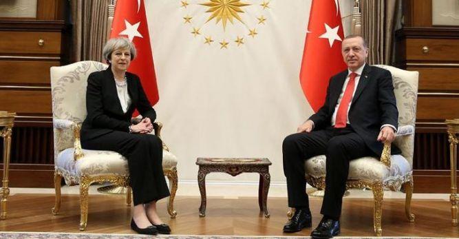 Cumhurbaşkanı Erdoğan, İngiltere Başbakanı May'i kabul etti