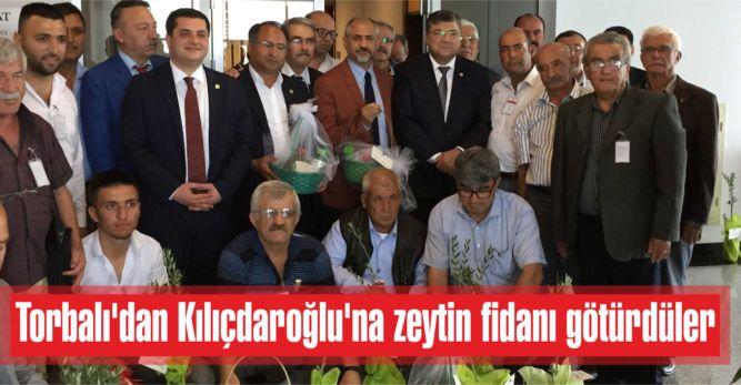 Torbalı'dan Kılıçdaroğlu'na zeytin fidanı götürdüler