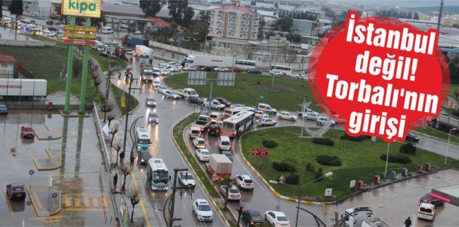 Sabah akşam saatlerinde trafik kilitleniyor